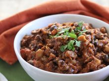 Make this Healthy Turkey Chili for a cozy dinner in. It's gluten-free and low sugar, but packed with a ton of protein and healthy fats! ll www.littlechefbigappetite.com ll Ground Turkey, Turkey Recipes, Black Beans, Healthy Chili Recipe