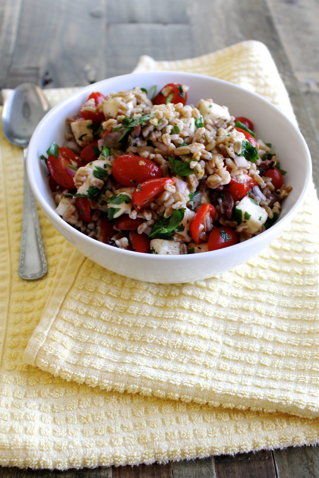 Farro Salad with Cherry Tomatoes & Mozzarella Recipe