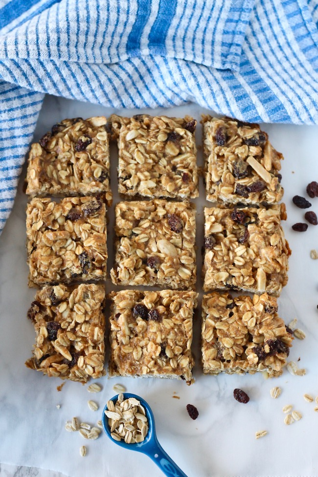 Healthy Homemade Granola Bars with Oats and Raisins