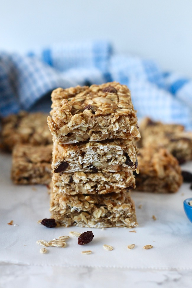 Healthy Homemade Granola Bars Recipe | www.littlechefbigappetite.com
