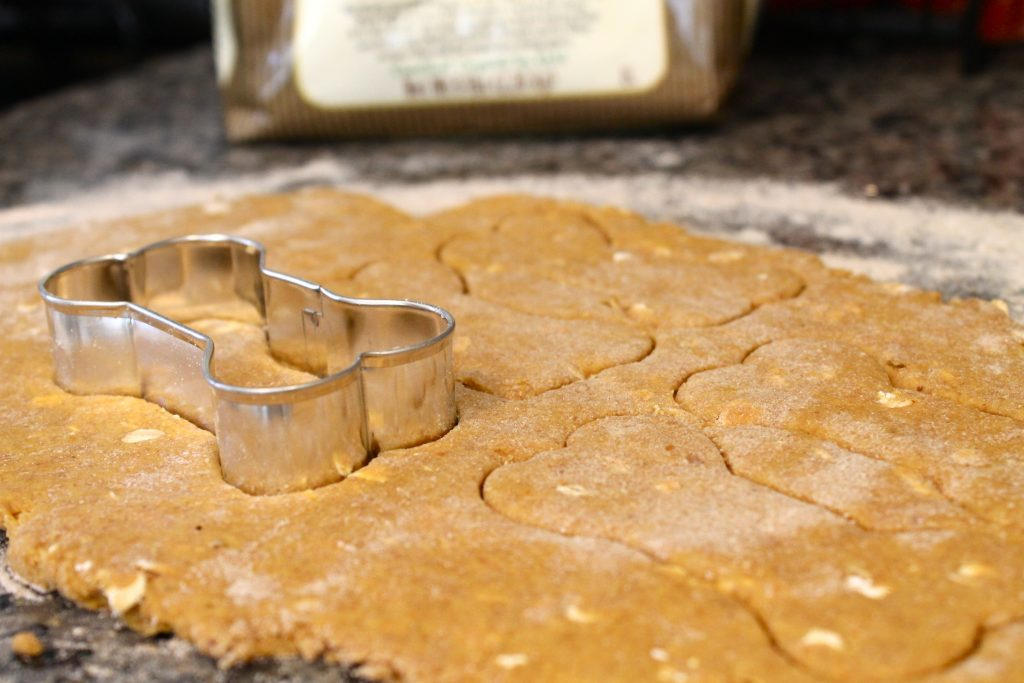 Homemade Pumpkin and Peanut Butter Dog Biscuits | littlechefbigappetite.com 1