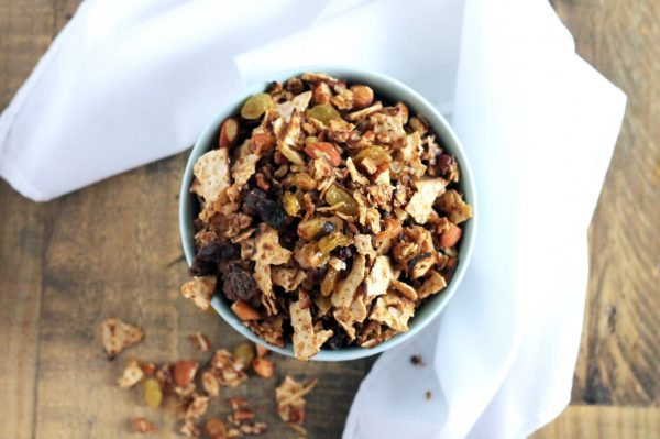 Passover Matzoh Granola with Honey and Raisins