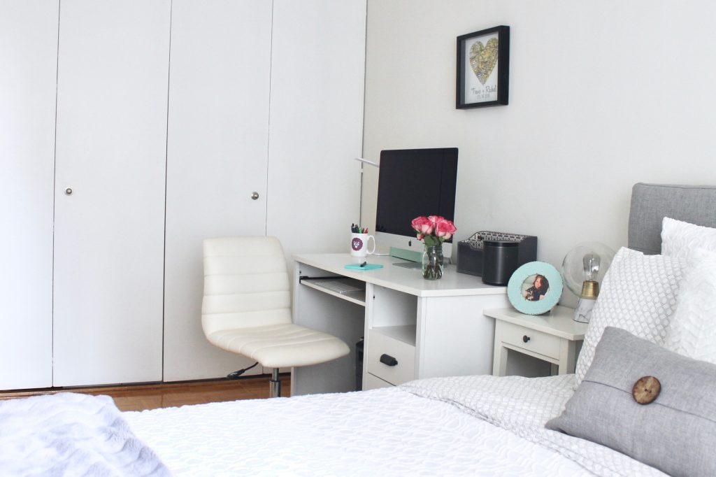 Creating an Ultra-Cozy Bedroom: White Desk and White Desk Chair ll www.littlechefbigappetite.com